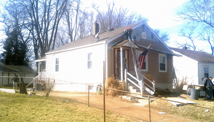 siding-roofing-job