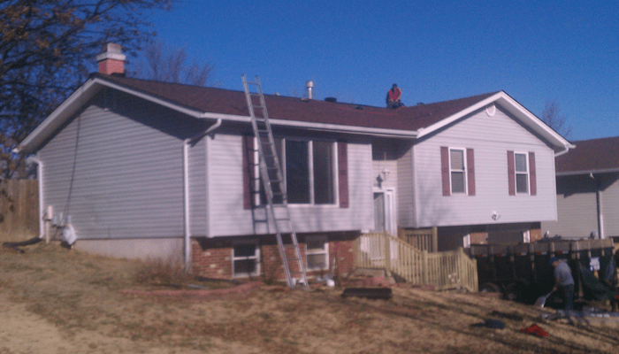 roofing-company-workers-3